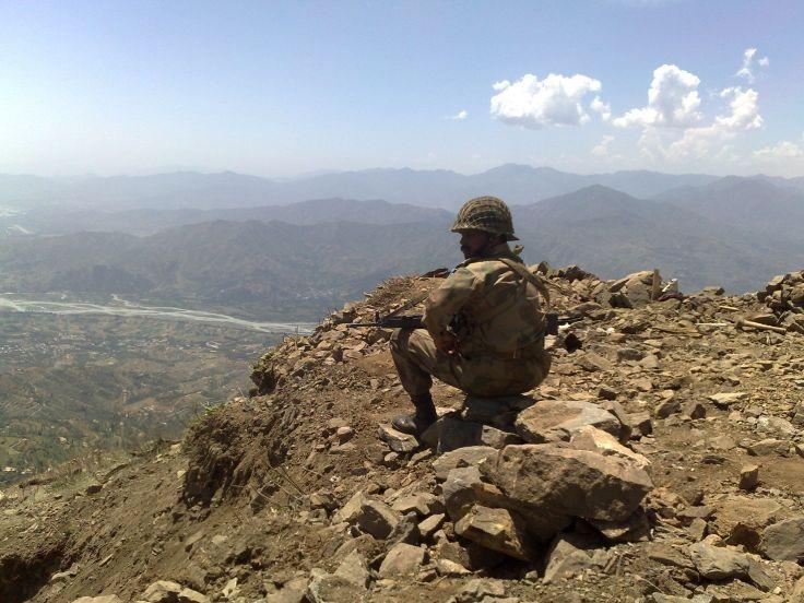 PakistanArmyKeeping_watch_at_Baine_Baba_Ziarat_-_Flickr_-_Al_Jazeera_English